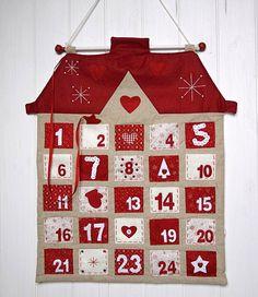 Adventní kalendář Domek | JH Decor Advent Calendar House, Fabric Advent Calendar, Calendar Home, Christmas Calendar, Christmas Makes, Christmas Crafts, Christmas Decorations, Christmas Sewing, Christmas Knitting