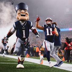 Sooooooo how many more Sundays until football? Julian Edelman, Go Pats, Boston Sports, New England Patriots, Football Helmets, Nfl, Superhero, Noodles, Instagram