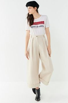 aff2ea1eb220 Slide View  1  UO Davie Wide-Leg Pleated Chio Pant Wide Pants