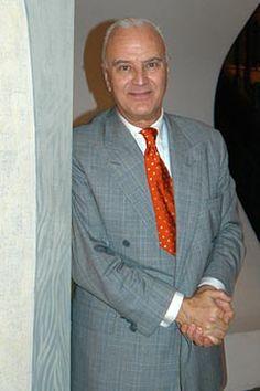 Manolo Blahnik biography (Vogue.com UK)