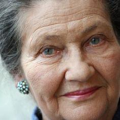 Simone Veil : mort d'une femme exceptionnelle Catherine Deneuve, Simone Veil, France Culture, Madame, Role Models, Girl Power, Women, Macron, Ainsi