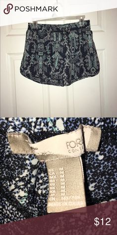 ✨ SUMMER TIME SHORTS ✨ Cute little shorts for the summer time. Had a string around them but it came out in the washer. I can ship it with the string but it's almost impossible to it put it back through the holes! Looks better without it anyway Forever 21 Shorts