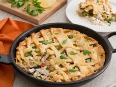 Simple and tasty pie. Tuna Recipes, Salmon Recipes, Casserole Dishes, Casserole Recipes, Source De Calcium, Potatoes In Microwave, Dried Vegetables, Air Fryer Recipes Easy