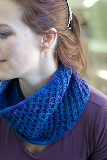 The Wintersilk Cowl (by OwlCat Designs on Raverly) uses 1 -2 skeins of @mountaincolors ' Wintersilk yarn for a snuggly single or double loop look!