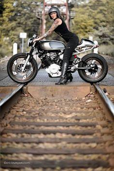 Yamaha Cafe Racer by Motorelic - Photos by Erick Runyon Photographs #caferacergirl #chicasmoteras |