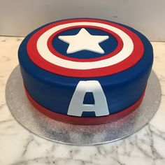 Tarta escudo Capitán América. Pastel Capitan America, Hulk, Babe, Kids, Lolly Cake, Candy Stations, One Year Birthday, Decorations, Young Children