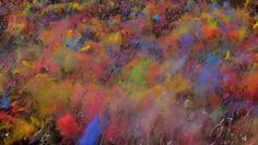 Il festival dei colori di Barcellona che richiamano lo Holi, diffuso in India, 6 aprile