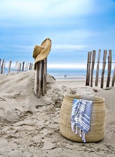 Beach basket and hat