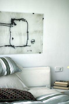 Detalle dormitorio principal de BrokenHome©CasaRota Broken Home, Bed Pillows, Pillow Cases, Divider, Old Things, Traditional, Contemporary, Master Bedroom, Architectural Firm