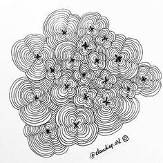 Daily drawing 331  #zentangle #zentangleart #zen #zenart #ink #inkdrawing #drawing #draweveryday2017 #dailydrawing #dailyart #art #art #artoftheday #tumblrhttps://www.instagram.com/p/BYTrgMIg8Ax/