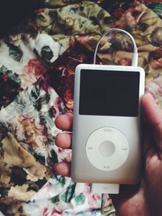 Found this guy today. Busy loading it up with music. Cored Apple, Study Room Decor, Love Background Images, Ipod Classic, Flip Phones, Cowboy Art, Music Aesthetic, Projects To Try, Ipods