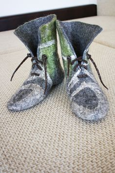 ConexionModa.com » Noticias » osmanufacture Wool Shoes, Felt Shoes, Kid Shoes, Me Too Shoes, Shoe Boots, Nuno Felting, Needle Felting, Felt Booties, Felt Kids