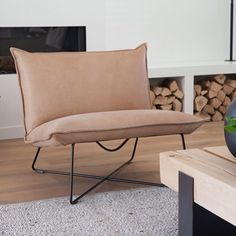 Fauteuil House of Mayflower Sofa Design, Furniture Design, Interior Design, Single Chair, Home Living Room, Diy Home Decor, New Homes, House, Health