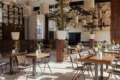 Het Centraal Ketelhuis - Amersfoort - Top Trouwlocaties Coffee Shop Design, Great Hotel, Industrial Wedding, Utrecht, Wedding Locations, Restaurant Bar, Table Settings, Rustic, Table Decorations
