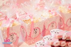 "Minnie Mouse Party  Popcorn!! Would go great if I had a vintage movie showing after food before they left!! ""Puppy Love"" Mickey & Minnie 1933"
