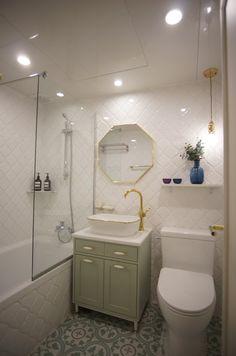 Dream Apartment, Downlights, Corner Bathtub, Room Interior, House Design, Bathroom, Skincare, Architecture, Home Decor