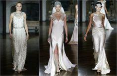 Vestidos muy sexys con bordados de cristales, tocados estilo años 20 y faldas con aberturas de Johanna Johnson