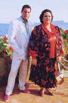 Summer in Ibiza Freddie and Monserrat Queen Freddie Mercury, Freddie Mercury Quotes, Freddie Mercuri, Queen Love, Rock Festivals, British American, Queen Band, Big Photo, Gillian Anderson