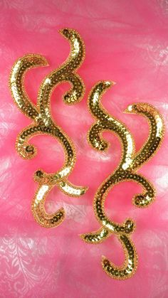 Sequin Applique MIRROR PAIR Gold Scroll Patch Measures: x each Use for any of your craft projects. Sew on or glue on. Blessings from Glory's House! :) If you need more than what is listed please let us know and we will add more inventory. Embroidery Neck Designs, Bead Embroidery Patterns, Bird Embroidery, Beaded Embroidery, Beading Patterns, Sequin Appliques, Rhinestone Appliques, Circle Skirt Pattern, Pearl Crafts