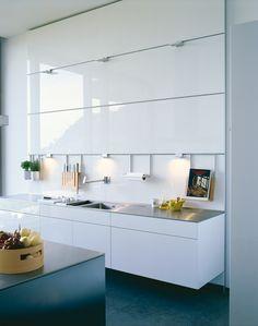 kuchnia wisząca B3 81 biała szklane panele ścienne