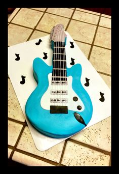 Guitar cake for a rock 'n roll baby shower :)