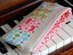 Pin. Sew. Press.: Pencil bag tutorial...or eyeglass case or little change purse