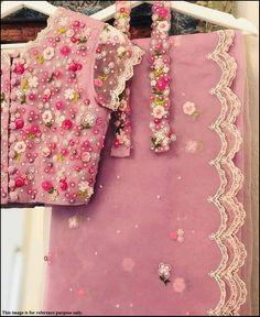 Fancy Blouse Designs, Bridal Blouse Designs, Blouse Neck Designs, Fancy Sarees Party Wear, Chiffon Saree Party Wear, Saree Blouse Patterns, Stylish Sarees, Stylish Dresses, Saree Trends