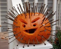 cool nail pumpkin jack-o-lantern carving Diy Deco Halloween, Deco Haloween, Modern Halloween, Halloween Kostüm, Diy Halloween Decorations, Holidays Halloween, Halloween Pumpkins, Halloween Costumes, Pumpkin Art