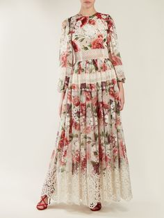 Peony and rose-print chiffon gown Maxi Skirt Outfits, Boho Outfits, Chiffon Gown, Print Chiffon, Beautiful Maxi Dresses, Beautiful Outfits, Simple Long Dress, Modest Dresses, Long Dresses