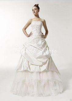 A-Line/Princess bretelles tribunal train robes de taffetas de mariage Tulle [DRESS06090220] - €214.98 : Robe de Soirée Pas Cher,Robe de Cocktail Pas Cher,Robe de Mariage,Robe de Soirée Cocktail.