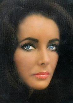 Golden Age Of Hollywood, Hollywood Stars, Classic Hollywood, Old Hollywood, Elizabeth Taylor Eyes, Beauty Secrets, Beauty Hacks, George Hurrell, Art