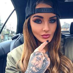 "Ventura Angels  en Instagram: ""@itslaurendotcom one of the sexiest tattooed model in the game"""