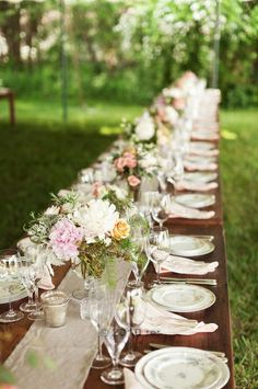 banquet table. Some day I want to have a fancy party outside like this