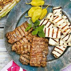 Med marockanska kryddblandningen ras el hanout går det snabbt att sätta smak på dessa grillade lammfärsspett. Bjud paprika- och valnötsröran muhammara till köften och servera i wraps med ännu mer grillat i form av halloumi och romansallad.