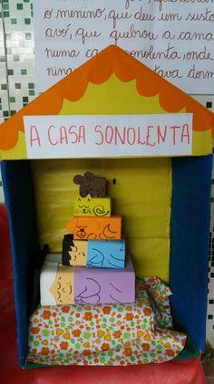 "Livro ""A Casa Sonolenta""."