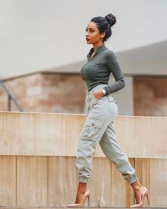 26 Chic Date Outfit Ideas For Girls – Trendy Fashion Ideas Date Outfits, Classy Outfits, Stylish Outfits, Summer Outfits, Look Fashion, Autumn Fashion, Fashion Outfits, Womens Fashion, Fashion Trends