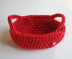 Handmade bread basket.  Crochet bread basket with holders made of high quality cotton cord it is suitable for storing bread. It is elegant and useful and it will be beautifully composed on your holiday Christmas table.  Basket is easy to stay clean as you can wash it (30 degrees).