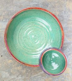 prettybowl Wheel Throwing, Pottery Painting, Painted Pottery, Serving Dishes, Glaze, Projects To Try, Tableware, Crafts, Pottery Ideas