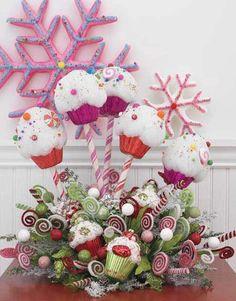 Centro de mesa con decoración de cupcakes para navidad. #DeciracionNavidad
