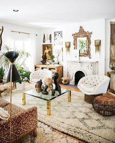 Fleamarketfab ™ ( boho, gypsy, hippie decor д Boho Living Room, Bohemian Living, Bohemian Decor, Living Rooms, Vintage Bohemian, Living Room Decor Inspiration, Interior Design Inspiration, Design Ideas, Estilo Kitsch