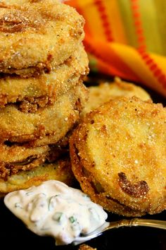 The BEST Fried Green Tomatoes with Garlic, Bacon and Buttermilk Sauce