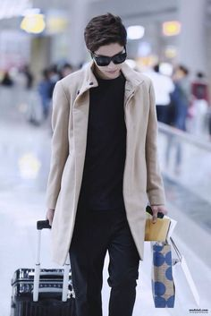 Yes. Airport is your runway now, L  #INFINITE #Myungsoo