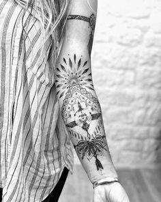 Acab Tattoo, Piercing Tattoo, Piercings, Tattoo Indien, Native American Feather Tattoo, Mexico Tattoo, Secret Tattoo, Mythology Tattoos, Style Ethnique