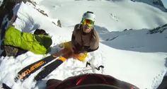 Jovem Tem Aparatosa Queda Ao Tentar Calçar Ski No Topo De Uma Montanha