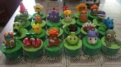emily bakes cakes: Plants vs Zombies Cupcakes