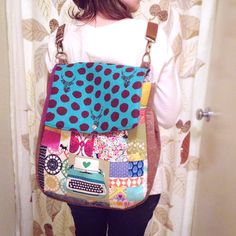 Sew Scatterbrained: Super Tote Pattern Mod: Convertible Backpack Tote  for stand-up shape - use Craft Fuse (808) and Soft and Stable (she did not use for front pocket but did full line)
