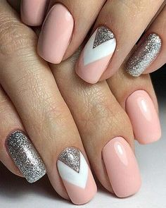 Nail art is a very popular trend these days and every woman you meet seems to have beautiful nails. It used to be that women would just go get a manicure or pedicure to get their nails trimmed and shaped with just a few coats of plain nail polish. Chic Nail Art, Chic Nails, Stylish Nails, Beige Nails, Rose Gold Nails, Long Nails, Prom Nails, My Nails, Short Nails