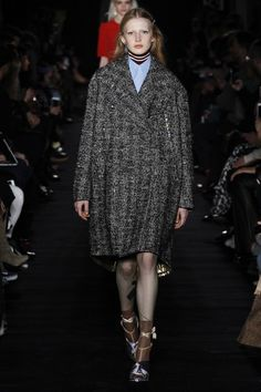 http://www.vogue.com/fashion-shows/fall-2017-ready-to-wear/no-21/slideshow/collection