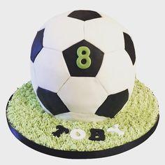 3D football cake - Cake by Hannah Thomas