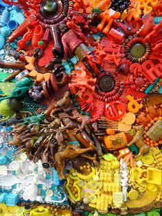 Van Gogh Sunflowers by Jane Perkins (detail) made of broken jewellery and found objects at London Art Fair 2011 Recycled Toys, Recycled Art, Van Gogh Art, Art Van, London Art Fair, Paint Themes, Small Figurines, Different Kinds Of Art, Found Object Art